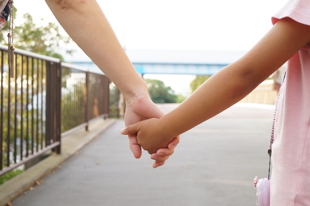 シングルマザーでも恋愛したい!真剣に相手を探す方法とは…