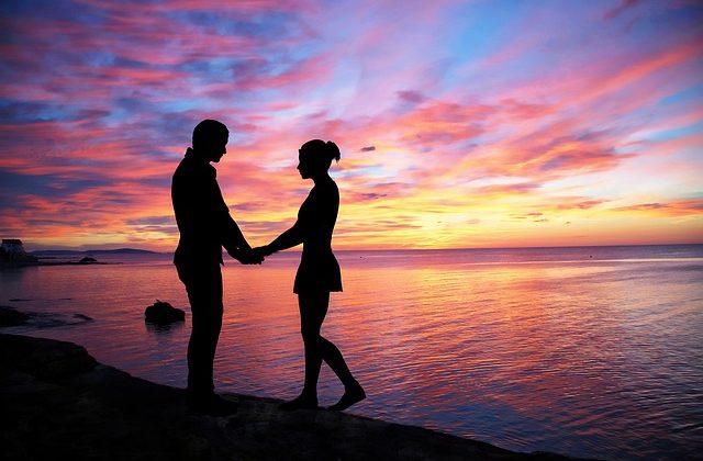couple-love-1807857_640