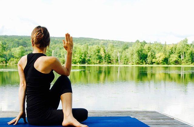 yoga-1812695_640